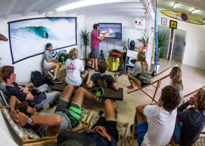 Clase de surf Peña Txuri Grupo Avanzado