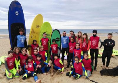 Clase de surf Peña Txuri Grupo